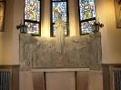 płaskorzeźby w kościele